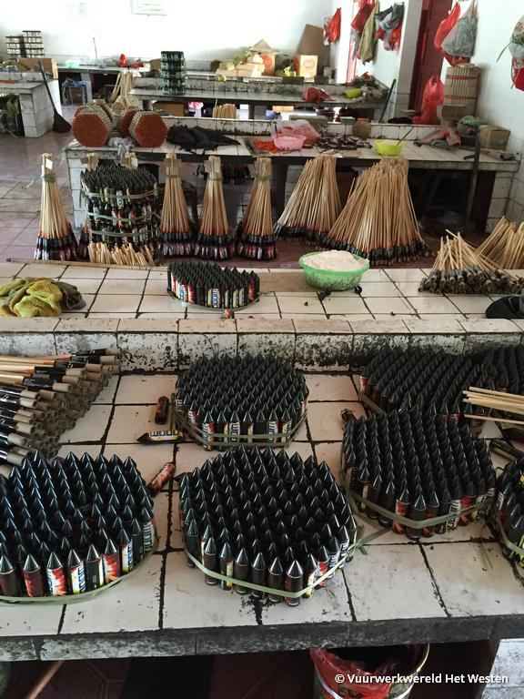 bezoek-vuurwerkfabriek-china-vuurwerkwereld-het-westen-13
